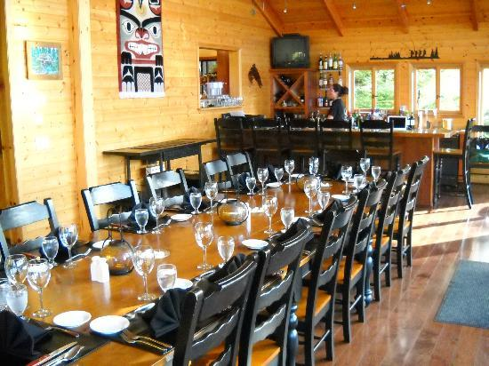 Talon Lodge & Spa: Warm Family Style Dining