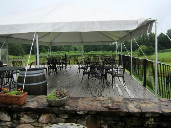 Three Sisters Vineyards & Winery: Party Deck
