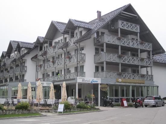 Jezero Hotel: The Hotel