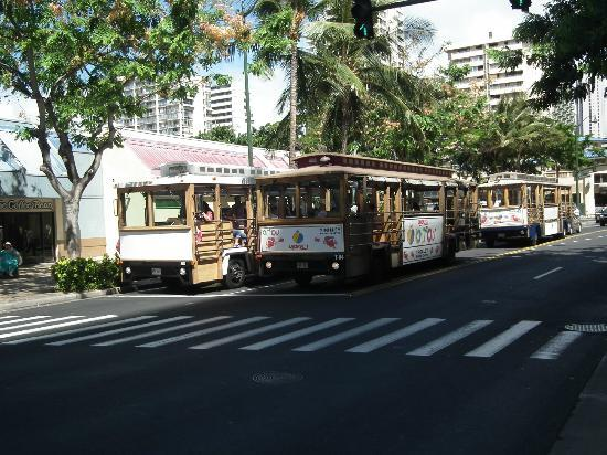 OHANA Waikiki East Hotel: Free trolleys for hotel guest (Pink Line only)