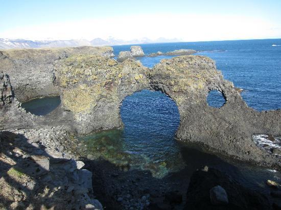 Egils Guesthouse: Beautiful sea cliffs in Snaefellsnes peninsula