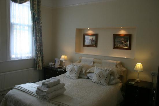 Three Gables: Bedroom 5