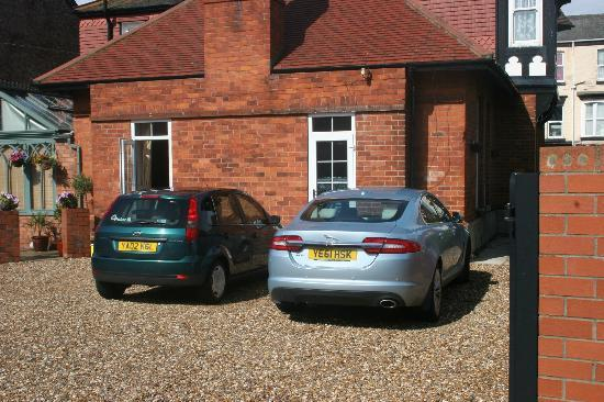 Three Gables : Car Park