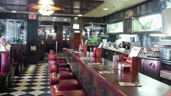 Du-Par's Restaurant and Bakery: Fantastic Atmosphere!