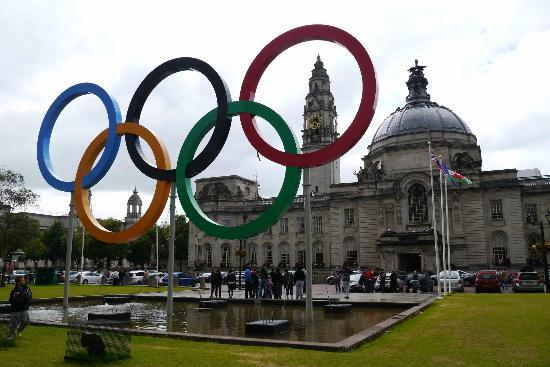 Cathays Park: Cardiff City Hall Civic Centre, with Olympic rings