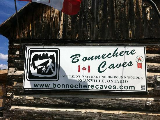 Bonnechere Caves: sign at the entrance