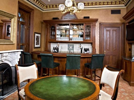 Mansion Hill Inn: Hotel Bar