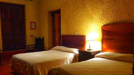 Hostal Casona de Manzano: habitacion familiar # 1