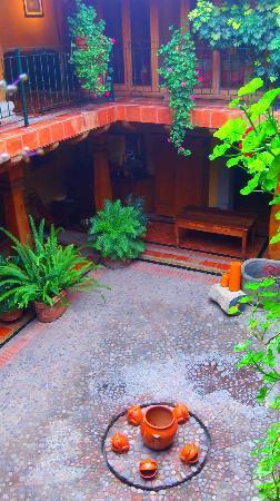 Hostal Casona de Manzano: patio central