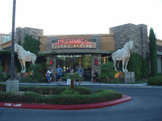P.F. Chang's : entrance pf changs vegas