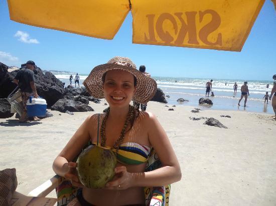 Cotovelo Beach : Água de coco
