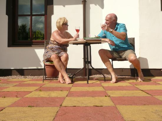 Sonas House: Terrace area outside Red Poppy Room (note shorts!!)