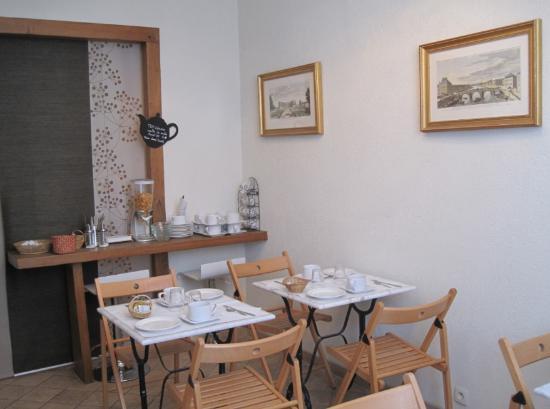 Hotel Des Beaux Arts: la salle de petit déjeuner
