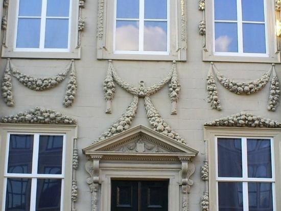Mauritshuis : Facade in close up