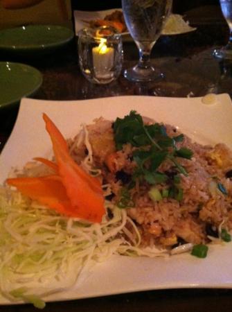 Jasmine Thai Restaurant: Pineapple Fried Rice
