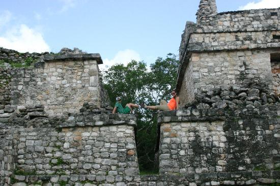 Casa Hamaca Guesthouse: Ek'Balam Ruins