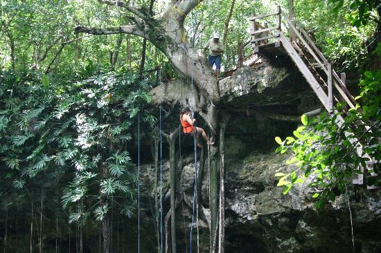 Casa Hamaca Guesthouse: X'Canche rappelling