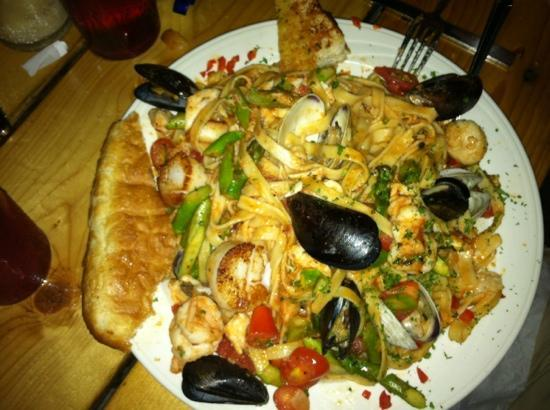 Avalon Anchorage Marina: seafood pasta. portion size is redicilous and very tasty!