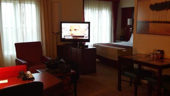 Residence Inn Waynesboro: living room and bed