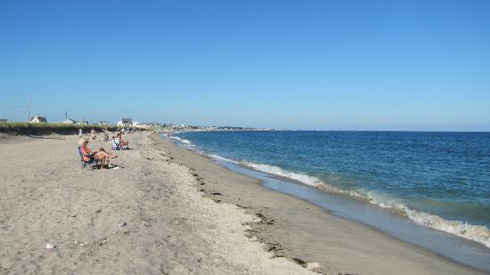 Charlestown Breachway Campground: Charleston Beach