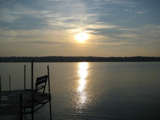 Country House Resort: Sunset from the Dock