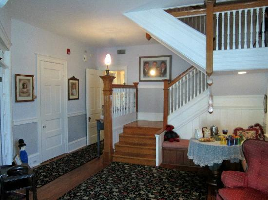 Victorian Lace Inn: Foyer