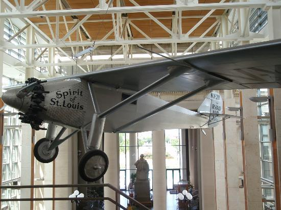 Missouri History Museum: Spirit of St Louis airplane hanging from ceiling