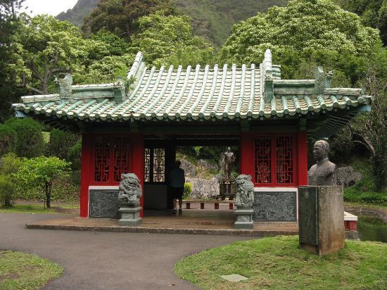 Kepaniwai Park & Heritage Gardens: Chinese garden at Kepaniwai Heritage Gardens, Maui, HI