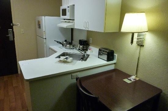 Extended Stay America - Pensacola - University Mall: mini kitchen