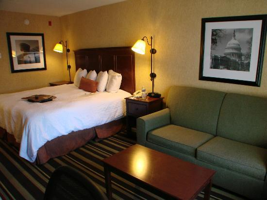 Hampton Inn Washington-Dulles Int'l Airport South: Comfortable bed