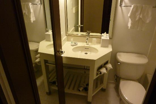 Four Points by Sheraton Houston Citycentre: sink