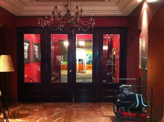 Hotel Los Jandalos Jerez: Hotel Entrance