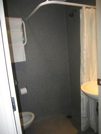 Ibis Budget Auckland Central: salle de bain