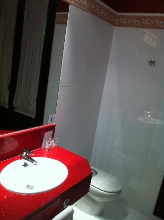 Los Jandalos Jerez: Bathroom