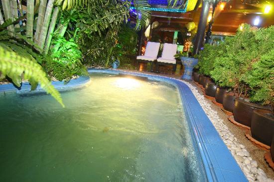 Patong Sun Beach Hotel: Jacuzzi