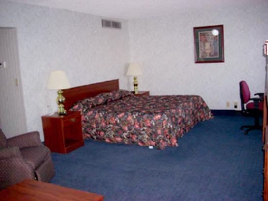 New Sunflower Inn & Suites: Guest Room