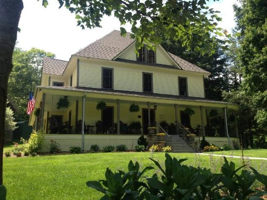 The Buck House Inn on Bald Mountain Creek: just beautiful inside and out