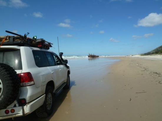 Seventy-Five Mile Beach : Beach views