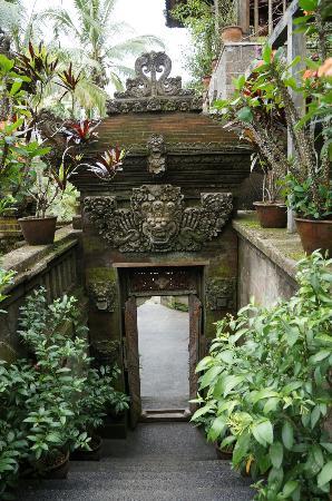 Villa Sarna Ubud: Villa Sarna entrance