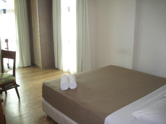 D'Feringghi Haus: Our cozy room
