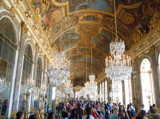 ceiling in the hall of mirrors picture of palace of. Black Bedroom Furniture Sets. Home Design Ideas