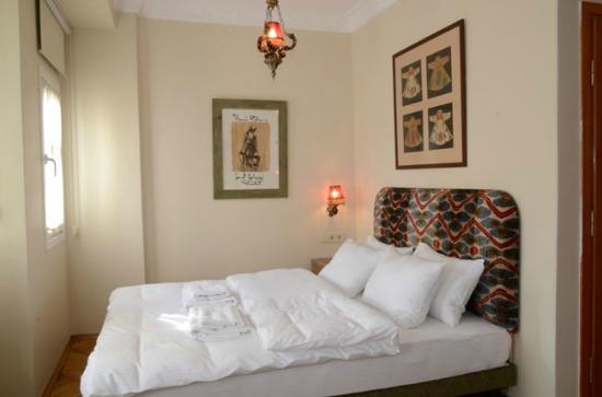 Sufi Apart Hotel: double bed