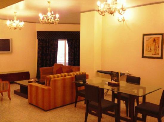 Ramee Guestline Deira Hotel: lots of room