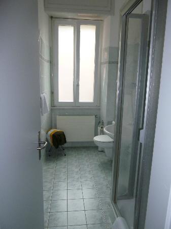 Hotel Riviera: Salle de bain