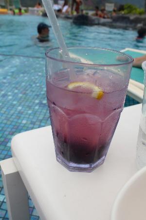 Nalu Kai Grill and Bar: Blueberry Antioxidant cocktail