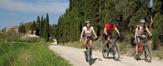 Hotel Adler Thermae Spa & Relax Resort : Bike tours & attività outdoor a contatto con la natura
