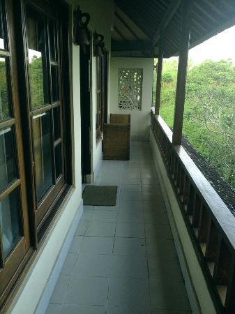 Taman Indrakila: 玄関