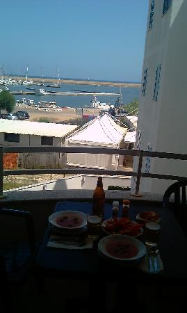 Hotel Hibiscus Residence: Lunch on the balcony