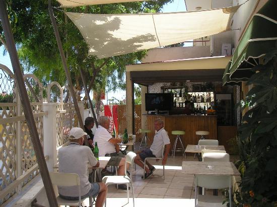 Olympus Palace Restaurant : The summer bar at Olympus Palace