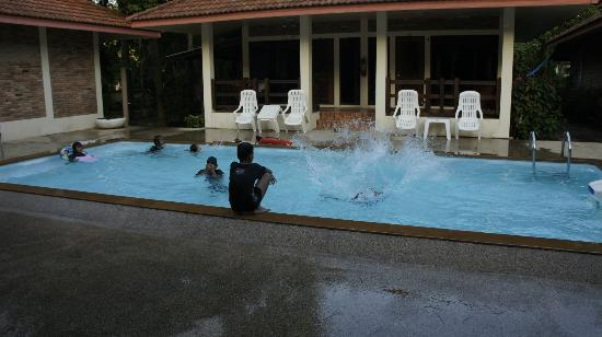 Chaya Resort: hotel pool